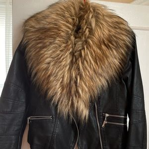 FAUX LEATHER JACKET W/ ATTACHABLE FUR SoCute